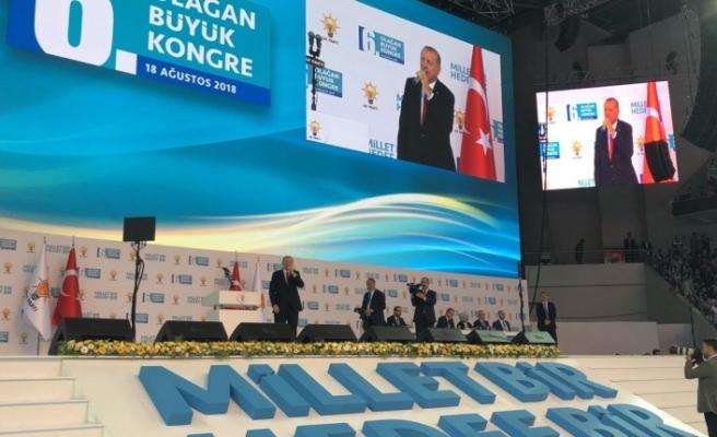 Cumhurbaşkanı Erdoğan yeniden genel başkan