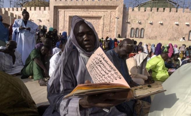 Diyanet'in yardımları sonrası Senagal'de bir kabile Müslüman oldu