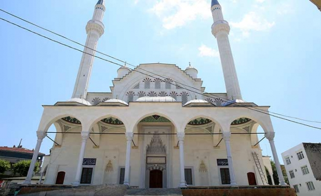 Esenler Taş Camisi ibadete açılıyor