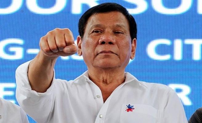 Filipinler Devlet Başkanı'ndan suça karışan polislere tehdit