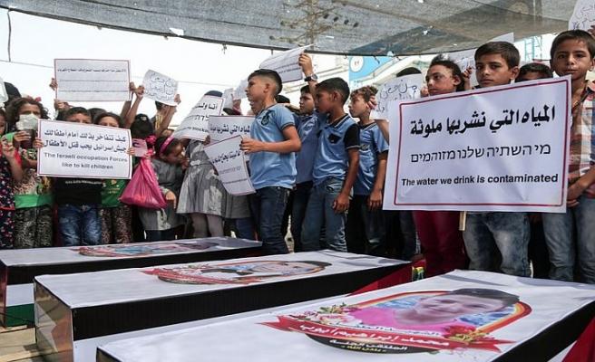 Gazzeli çocuklar ablukayı protesto etti