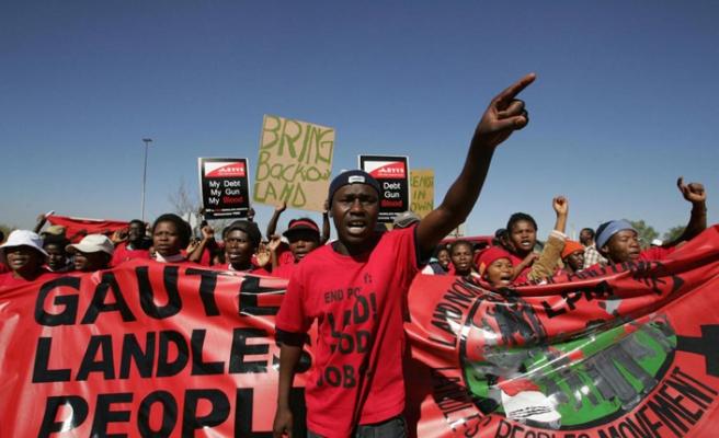 Güney Afrika yerlilerin arazilerine el koymaya hazırlanıyor