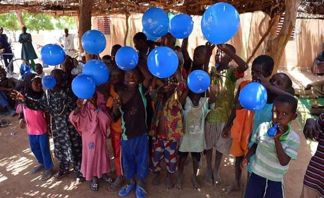 İlk kez balon gören Afrikalı çocukların şaşkınlığı
