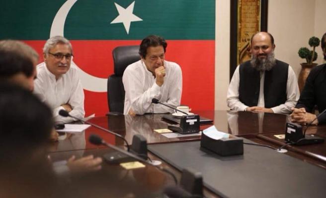 İmran Khan'ın güvenliği için evi değiştirildi