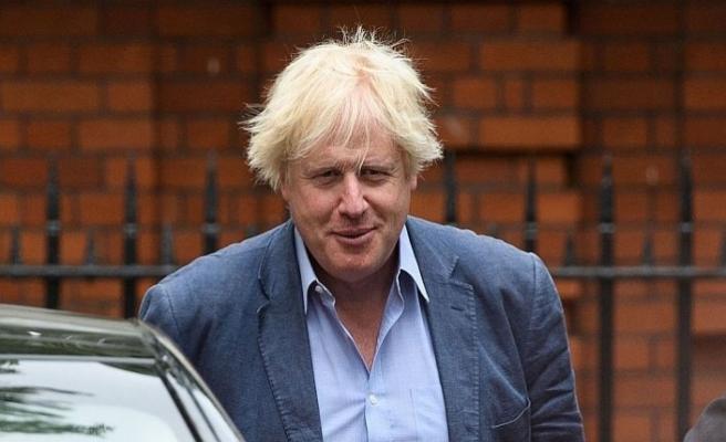 """İngiliz eski bakanın """"peçe"""" yazısına tepki yağdı"""