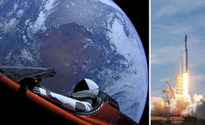 SpaceX ile Boeing'in ilk insanlı uzay uçuşları başlıyor