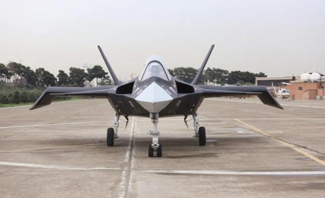 İran, kendi ürettiği savaş uçağını dünyaya tanıtacak