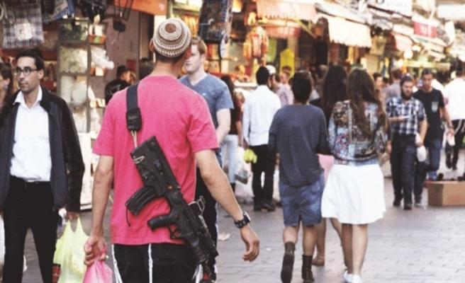 İsrail sivillerin silahlanmasını kolaylaştırıyor