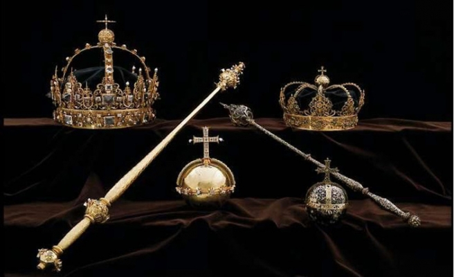 İsveç kralı tacını çaldırdı