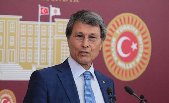 İYİ Parti'de istifa depremi, ünlü isimler bıraktı