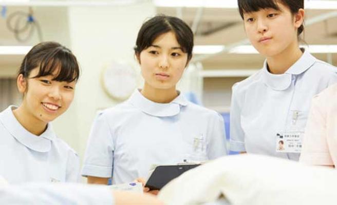 Japonlara yakışmayacak hareket; kadın doktor adaylarının sınavları..
