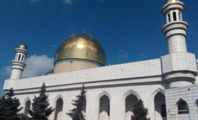 Kazakistan'da camiler yıkım tehdidiyle karşı karşıya