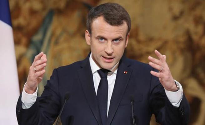 Macron: AB'nin güvenliği ABD'ye emanet edilemez