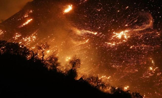 NASA fotoğraflarıyla Kaliforniya yangını