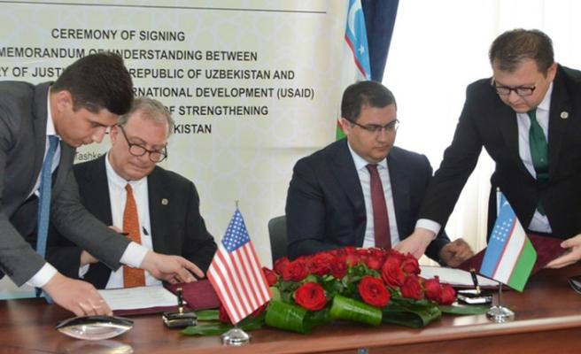Özbekistan ABD ile yakınlaşıyor