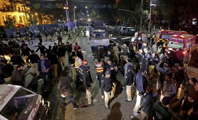 Pakistan'da iki ayrı saldırı