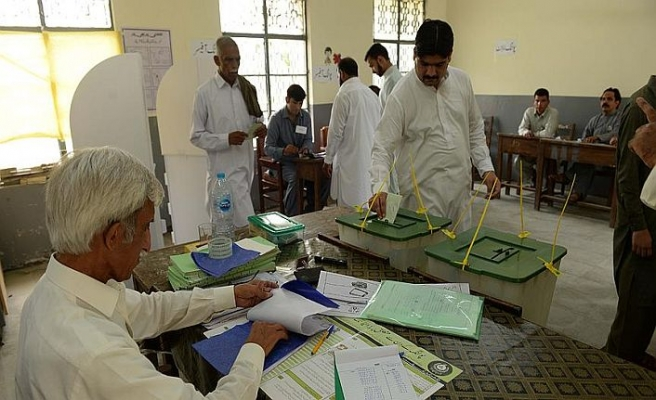 Pakistan'da seçimler için araştırma komisyonu kurulacak