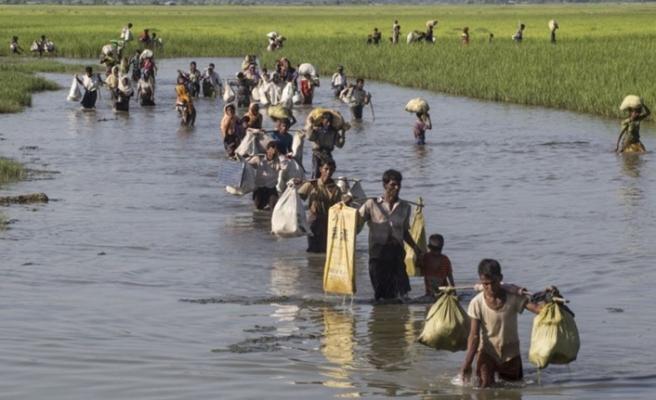 Myanmar askerleri insani yardımları engelliyor