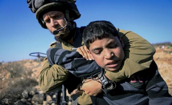 Tutsak Filistinli çocuklar ağır şartlar altında
