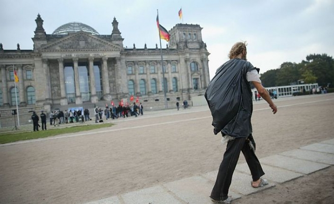 Zengin-fakir uçurumu Almanya'nın geleceğini tehdit ediyor