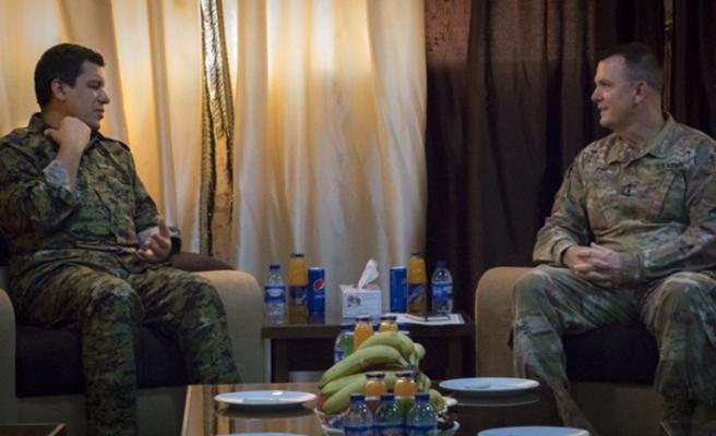 ABD'li general, kırmızı kategoride aranan YPG'li ile görüştü