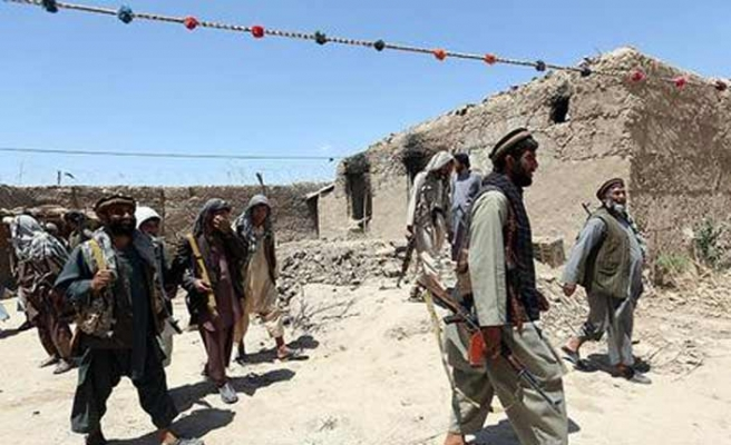 Afganistan'da Taliban Ham Ab ilçesine saldırdı