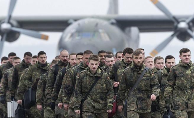 Almanya Suriye'ye asker göndermeyi tartışıyor