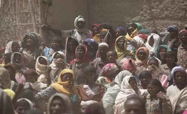 Aşırı yoksulluk oranı ilk defa yüzde 10'a geriledi