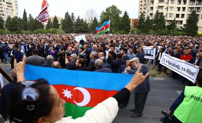 Bakü'de Karabağ mitingi düzenlendi