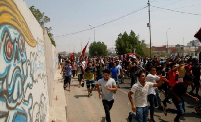 Basra'da ölü sayısı 7'ye çıktı, İbadi'ye istifa çağrısı