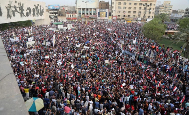 Basra'daki gösterilerde kan aktı, ölü sayısı artıyor