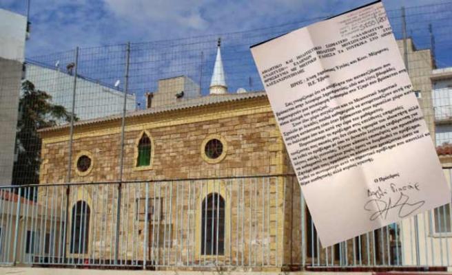 Cami yanındaki paçacı dükkanı şikayet edildi