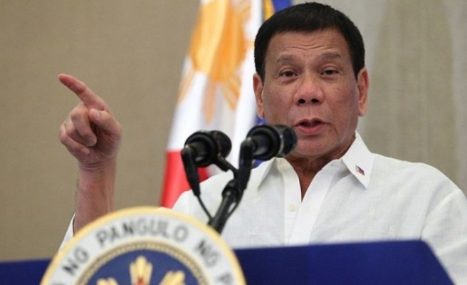 Duterte ekonomik sıkıntının suçlusunu buldu
