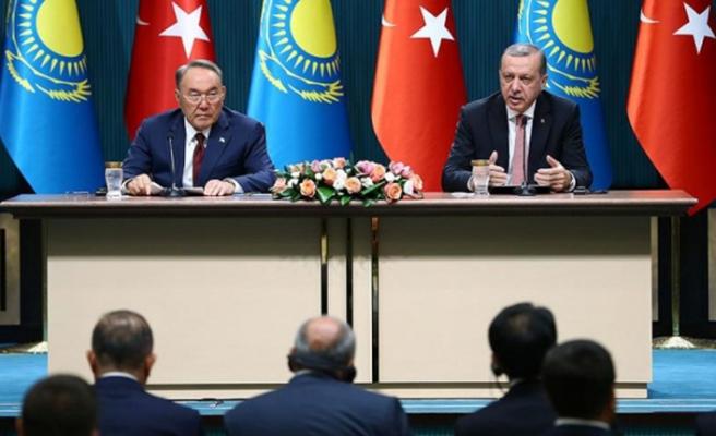Erdoğan'la Nazarbayev arasında imzalar atıldı