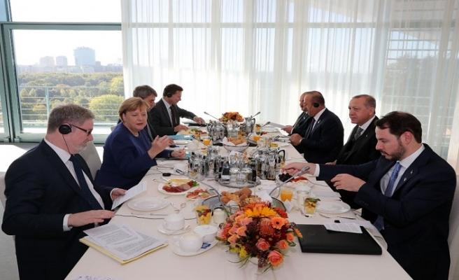 Erdoğan-Merkel çalışma kahvaltısı sona erdi