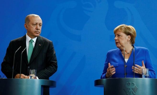 Erdoğan-Merkel toplantısında gerginlik