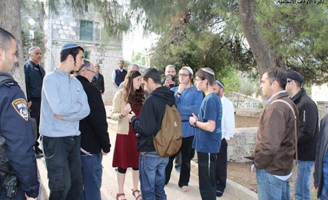 Fanatik Yahudi gruptan Mescid-i Aksa provakasyonu