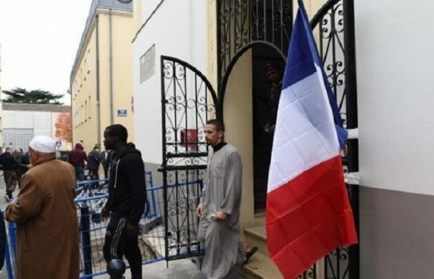 Fransız hükümeti cami yararına özel vergi koyacak