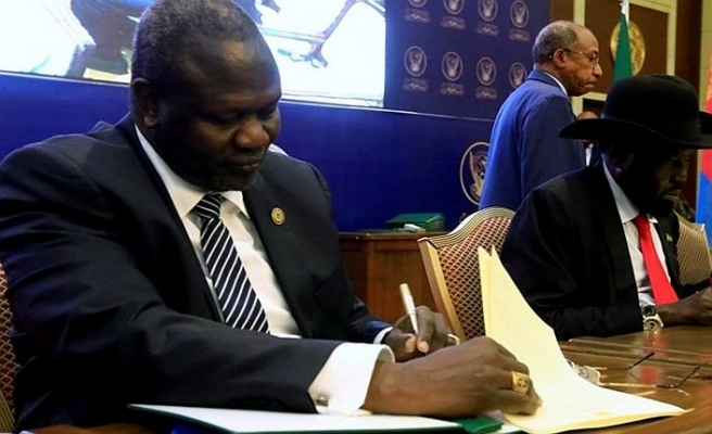 Güney Sudan'da iç savaşı bitiren imza atıldı
