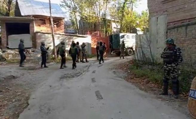 Keşmir'deki çatışmalarda 3 kişi öldü