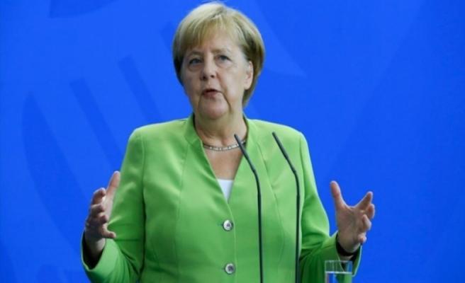 Merkel'den İngiltere'yi kızdıracak açıklama