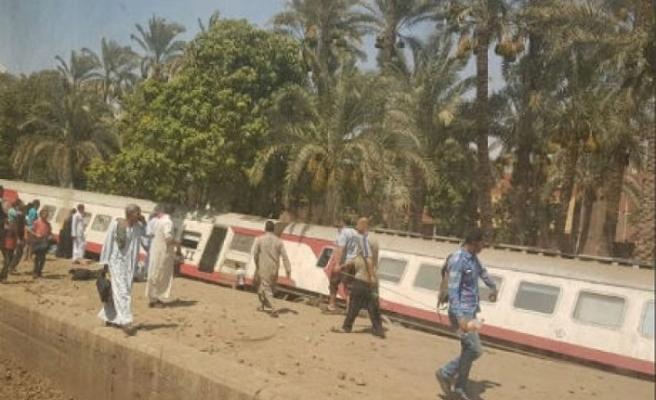 Mısır'da tren kazası: 12 yaralı