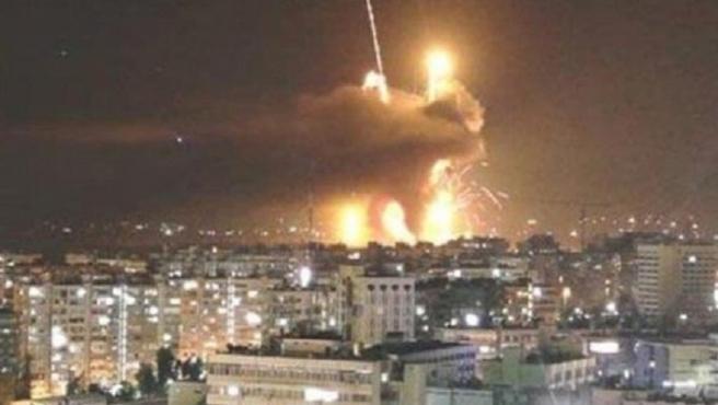Şam dün gece uyumadı, patlamaların ardı kesilmedi