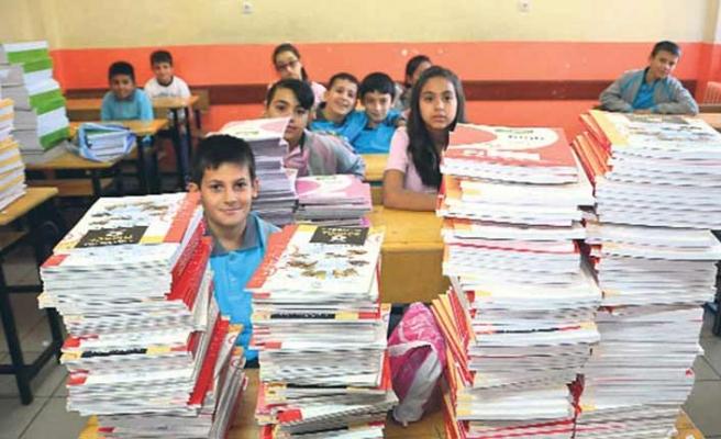 Ücretsiz ders kitapları okullara ulaştı