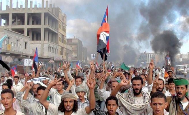 Yemen'de halk sokaklara indi