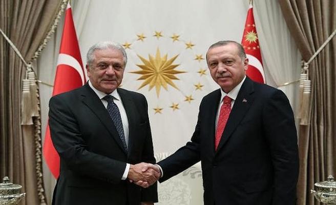 AB'nin Göç Komiseri Ankara'da