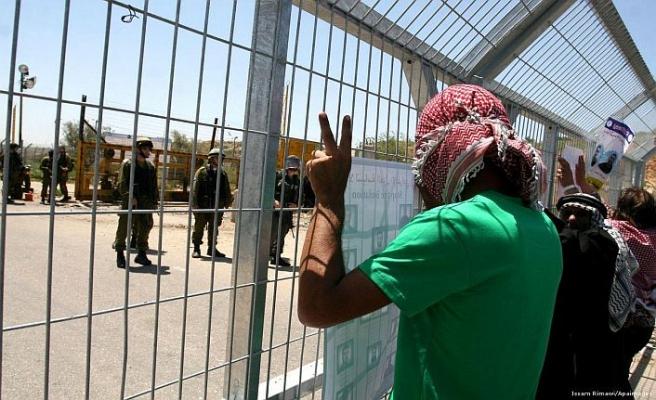 Açlık grevindeki Filistinli tutuklular için toplandılar