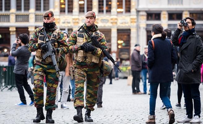 Belçika ordusunda istifa alarmı
