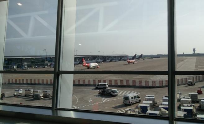 Brüksel Havalimanı'nda 100 sefer iptal edildi