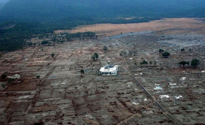 Endonezya'da kayıplar bulundukça bilanço ağırlaşıyor